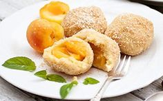 Styrian apricot dumplings made from potato dough Christmas Activities For Families, Austrian Recipes, Austrian Food, Diy Gifts For Girlfriend, Cookie Desserts, Family Christmas, Dumplings, Cake Cookies, Mousse