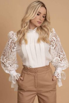 blouse combine with pants Couture Fashion, Hijab Fashion, Fashion Dresses, Queer Fashion, Blouse Styles, Blouse Designs, Classy Outfits, Chic Outfits, Tomboy Outfits