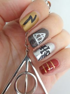 I've pinned several HP nail designs that I don't remember which ones I've already pinned. But I like these anyway.