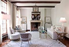 Highland Park living room, Houston. Laura U.
