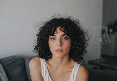 "3,061 curtidas, 19 comentários - Julia Konrad (@juliakonrad) no Instagram: ""shaggy shag ✨ @d.ludolf #curlscurlscurls #curlyshag"""