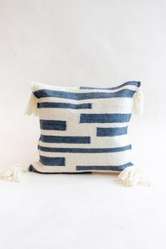 x pillow with thick wool knit front and tassel on corners. This pillow is a show-stopper piece, pair it with some neutral pillows for a fun addition. Blush Pillows, Cream Pillows, Neutral Pillows, Accent Pillows, Throw Pillows, Knot Pillow, Lumbar Pillow, Sunbrella Pillows, Modern Cushions