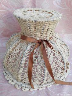 Tulipa de hilo a crochet o ganchillo realizada a mano ideal lampara romántica vintage Short Sleeve Dresses, Dresses With Sleeves, Lamps, Fashion, Ideas, Crocheting, Lightbulbs, Moda, Sleeve Dresses