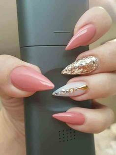 Nail Designs Acrylic Coffin Rhinestones Inspirational 70 Cool and Creative Stiletto Nail Art Designs Gorgeous Nails, Love Nails, Fun Nails, Long Stiletto Nails, Pointed Nails, Pointy Acrylic Nails, Coral Acrylic Nails, Gel Nail Art Designs, Stiletto Nail Designs