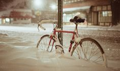 Of rust, errands and love: An ode to the beater bike Fixed Gear Bike, Winter Storm, Winter Warmers, Idaho, Just In Case, Things To Come, Bicycles, Chipped Paint, Org 2016