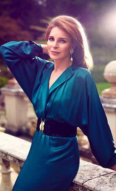 Noor de Jordania - Elegancia en el paso de los años.