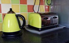 Coffee, Kitchen Toaster Kettle Home Cooking Food H Best 4 Slice Toaster, First Kitchen, Big Kitchen, Kitchen Design, Kitchen Tools, Small Appliances, Kitchen Appliances, Kitchen With Big Island, Toaster