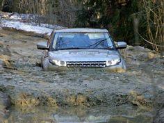 Range Rover Evoque in deep water!