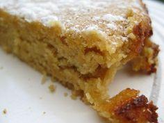 gâteau aux amandes et à la compote de pommes