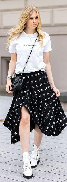 Stylecheck, weiße Cutout Boots, Schuhe, Shoes, Midi, Midiskirt, Rock, Blond, Shirt, Not a Blogger, Outfit, Inspiration, Chanel, Tasche, Bag, Streetstyle