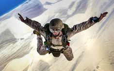 I Believe I Can Fly (U. Marine Corps photo by Cpl. Stone/Released) Celebrate a great career in the US Marine Corps with Personalized custom Military rings: Master Sergeant, Red Friday, Us Military, Military Service, Military Veterans, Us Marines, Semper Fi, Just Dream, Marine Corps