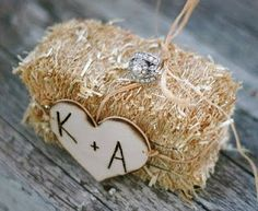 Ring Bearer Pillow made from a hay stack. Louisville Wedding Blog - The Local Louisville KY wedding resource: {Daily Wedding Bits} Rustic-Chic Decor - Hay