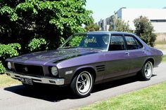 Announced in July Holden's HQ represented a radical departure from the outgoing model range and was entirely new in almost every way. Australian Muscle Cars, Aussie Muscle Cars, Retro Cars, Vintage Cars, Hq Holden, Holden Kingswood, Holden Muscle Cars, Holden Australia, Holden Monaro