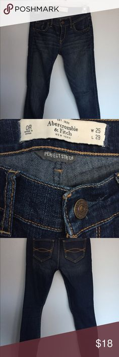 ABERCROMBIE & FITCH Jegging Size 25 ABERCROMBIE & FITCH Jegging Size 25: basically new! Abercrombie & Fitch Jeans Skinny