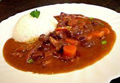 Dušené hovězí srdce s hráškem a mrkví Thai Red Curry, Stew, Chili, Dishes, Cooking, Ethnic Recipes, Food, Kitchens, Kitchen
