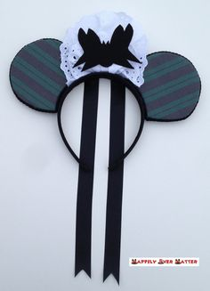 Haunted Mansion Maid Ear Headband by HappilyEverHatter on Etsy. It even has the bat hat on it! Diy Disney Ears, Disney Mickey Ears, Disney Bows, Disney Diy, Cute Disney, Disney Stuff, Disney Dress Up, Disney Outfits, Mouse Ears Headband