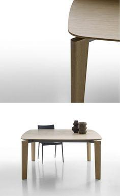 Square wooden #table OSKAR by B&B Italia | #design Vincent Van Duysen @bebitalia