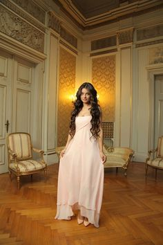Ayça Ayşin Turan'dan Özcan Deniz itirafı! Leyla Tanlar, Braces Girls, The Protector, Turkish Actors, Hottest Models, Hair Goals, Dan, Hot Girls, Victoria
