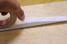 ください。 ■次に、貼り終えた左右のコの字レール同士の内寸を計ります。これがガラス戸レール上下の長さになります。