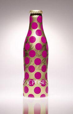 """Modelito de """"Zac Posen"""" para botella de Coca Cola"""