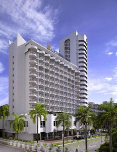 Copthorne King's Hotel Singapore is centrally located in Singapore, convenient to Robertson Walk and Chinatown Heritage Center. This 4-star hotel is close to Haji Lane and National Orchid Garden. http://www.lowestroomrates.com/Singapore-Hotels/Copthorne-King-s-Hotel-Singapore.html?m=p #CopthorneKings #Singapore