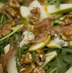 Pear, Prosciutto and Blue Cheese Salad with Walnut Praline