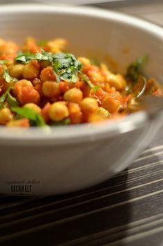 indisch angehauchte Kichererbsen mit Tomatensauce