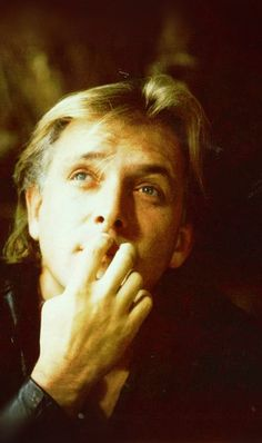 Check out production photos, hot pictures, movie images of Rik Mayall and more from Rotten Tomatoes' celebrity gallery! Beautiful Boys, Beautiful Images, Ade Edmondson, Rude Hand Gestures, Rik Mayall, Blackadder, Comedy Actors, Hes Gone, Celebrity Gallery