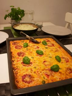 Makaronipizza - ZEINAS KITCHEN Zeina, Lasagna, Quiche, Macaroni And Cheese, Pizza, Dinner, Breakfast, Ethnic Recipes, Kitchen