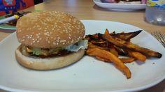 Elke Hap: Zelfgemaakte hamburgers met zoete aardappel frietj...