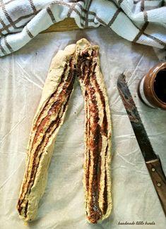 Γεμιστό ψωμί με ταχίνι ή κανέλα – Handmade little treats Cinnamon, Sweets, Bread, Cooking, Food, Kuchen, Canela, Kitchen, Gummi Candy