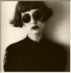 short bob with bangs Hair Inspo, Hair Inspiration, Pelo Midi, French New Wave, Riot Grrrl, Grow Out, Look Fashion, Gothic Fashion, Fashion Outfits