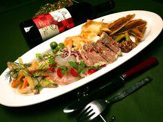 Bistro cosicosi❤︎  団体様コースの前菜盛り合わせ。  定番の人気の前菜と、旬のものを盛り合わせます❤︎  #ビストロコジコジ https://m.facebook.com/pages/Bistro-cosicosi/337119786473969?ref=bookmarks