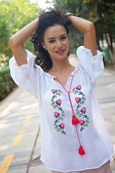 Romanian beauty...Romanian blouse<3 #fashionstreet Floral Tops, Label, Street Style, Blouse, Beauty, Women, Fashion, Moda, Top Flowers