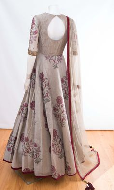 indian clothing ONLINE USA Silk brocade top with golden embroidery with matching bottom and dupatta Lehenga Designs, Kurti Designs Party Wear, Saree Blouse Designs, Indian Gowns Dresses, Indian Fashion Dresses, Indian Designer Outfits, Indian Outfits, Indian Clothes, Long Dress Design