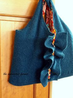 Tutorial for wool sweater, felted, sewn into a lined bag.