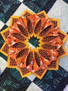 Fold n stitch wreath in Halloween fabrics! Great for you Halloween table!