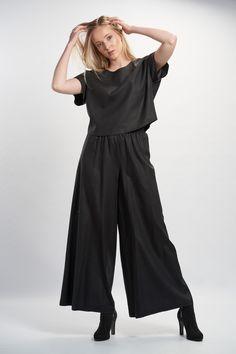 Vellamo Trousers - Black :: Vuurran.fi Seventh Wave, Wide Leg Trousers, Black Fabric, Woven Fabric, That Look, Jumpsuit, Elegant, Outfits, Beautiful