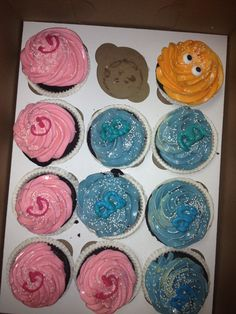 Reveal cupcakes..and one for the Dad who PEEKED