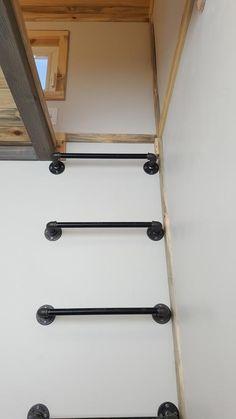 Tiny Solar Home by Alpine Tiny Homes - Tiny Living Loft Ladder – Tiny Solar Home by Alpine Tiny Homes House Ladder, Stair Ladder, Diy Ladder, Ladder To Loft, Wall Ladders, Loft Ladders, Home Design, Design Design, Tiny Loft