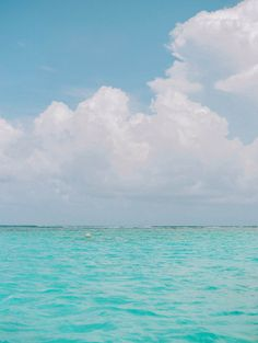 Sunny Skies and Blue Waters of Belize   photography by http://www.marielhannahphoto.com/
