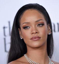 Lip Contouring Rihanna Beispiel volle Lippen #beauty #makeup