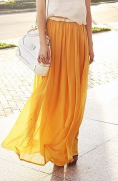 There is 1 tip to buy skirt, long skirt, yellow, maxi skirt, tobi. Looks Street Style, Looks Style, Yellow Maxi Skirts, Orange Skirt, Pleated Maxi Skirts, Bright Skirts, Blue Maxi, Top Mode, Look Fashion