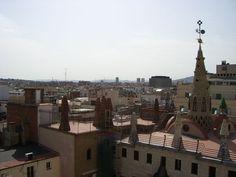 Gaudi Kunst auf einem Dach - Barcelona