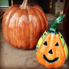 Talavera Pumpkins! #befestive #oldworldpottery #wichitafalls #mexico #talavera #orange #pumpkin #pumpkins #jackolanterns #fall #decor #halloween