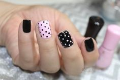Newest Polka Dot Nails Art That Trending Today Dot Nail Art, Polka Dot Nails, Polka Dots, Gel Manicure Nails, Diy Nails, Manicure Ideas, Acrylic Nails Stiletto, Glitter Nails, Nagellack Design