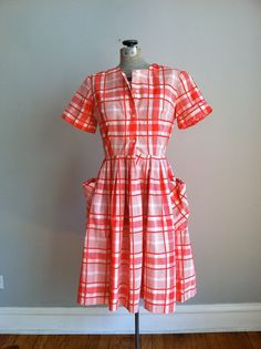 1950's house dress | super cute 1950's plaid house dress. LOVE it. | The Real Housewives o ...