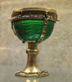 Byzantine glass Chalice, part of the loot of 1204; now at St marks treasury. [500px × 569]