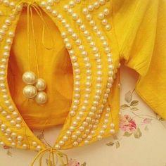 Blouse Designs Catalogue, Best Blouse Designs, Choli Blouse Design, Saree Blouse Neck Designs, Embroidery Suits Design, Bead Embroidery Patterns, Design Page, Kids Frocks Design, Designer Blouse Patterns