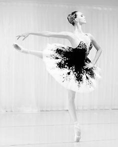 <<Viktorina Kapitonova, Principal Ballet Dancer at Zurich Opera House. Formerly at Stanislavsky Theatre>>